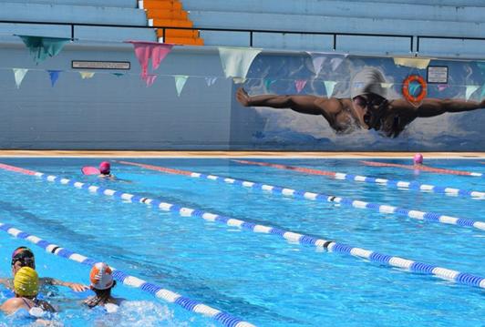 Λειτουργεί ξανά το ανακαινισμένο Δημοτικό Κολυμβητήριο Γαλατσίου  στο Άλσος Βεΐκου
