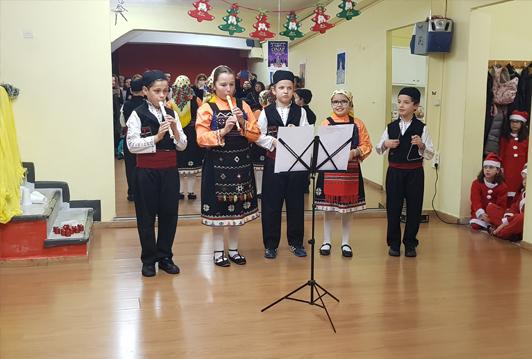 Χριστούγεννα στον ΟΝΑΡ με χρώματα χορούς και μελωδίες