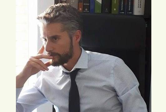 Ανδρέας Λάμπρης: H σεξουαλική παρενόχληση στον εργασιακό χώρο